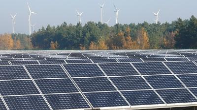 """Der Solarpark """"Spreewitz Süd"""" ist ein Teil aus dem 20 MW Portfolio der BKO nature power GmbH und ist über rosa Photovoltaik® versichert."""